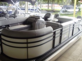2021 Bennington 21SSXPAPG  Tritoon for sale at APOPKA MARINE in INVERNESS, FL