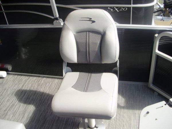 Fishing Seat 2021 Bennington 21SSX Tritoon for sale in INVERNESS, FL