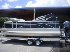 2021 Bennington 21SSX Tritoon for sale at APOPKA MARINE in INVERNESS, FL