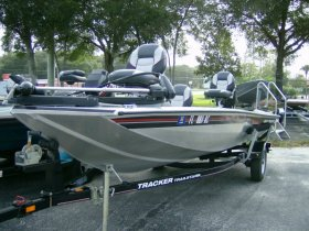 2007 Tracker Pro Crappie 175 for sale at APOPKA MARINE in INVERNESS, FL