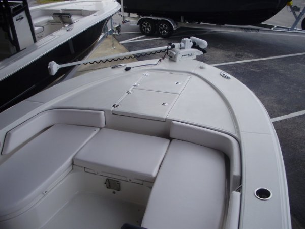 I pilot 112 Trolling Motor 2021 Robalo 246 Cayman for sale in INVERNESS, FL