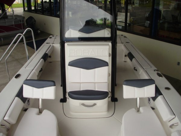 New 2021 Power Boat for sale 2021 Robalo 246 Cayman for sale in INVERNESS, FL