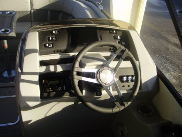 Helm 2021 Bennington 23LTSB Tritoon for sale in INVERNESS, FL