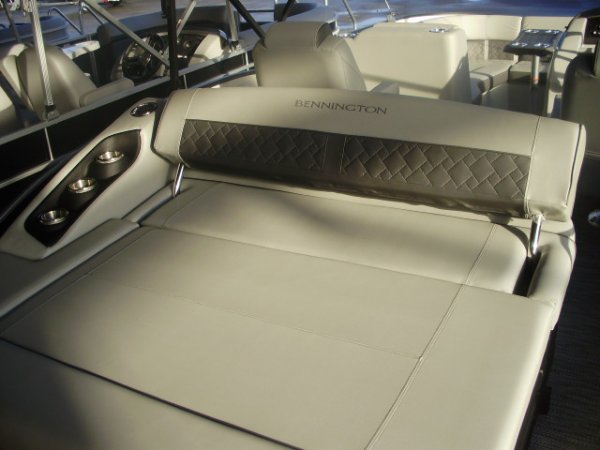 Swing Back Seat 2021 Bennington 23LTSB Tritoon for sale in INVERNESS, FL