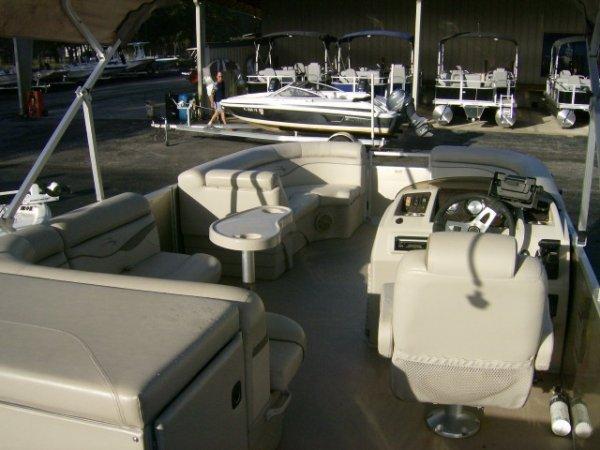Used 2016  powered Bennington Boat for sale 2016 Bennington 22SSXAPG for sale in INVERNESS, FL