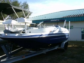 2016 Starcraft 20 Deck Boat for sale at APOPKA MARINE in INVERNESS, FL
