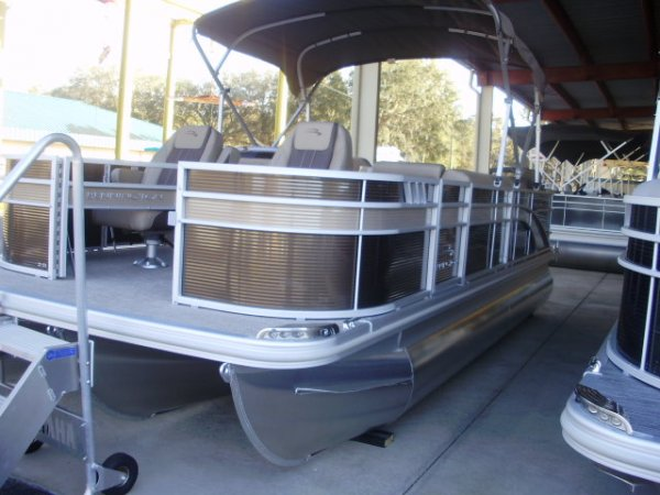 Bennington Tri-Toon 2021 Bennington 21SFXAPG Tri-Toon for sale in INVERNESS, FL