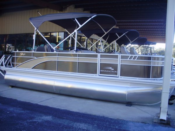 Bennington Fishing pontoon Boat. 2021 Bennington 21SFXAPG Tri-Toon for sale in INVERNESS, FL
