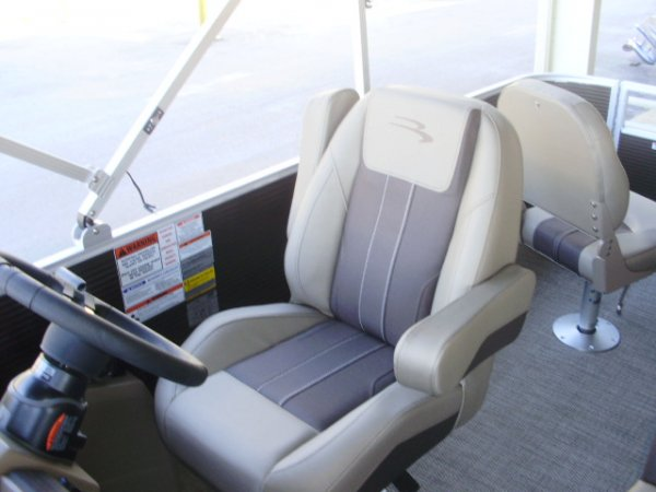 Helm Seat 2021 Bennington 21SFXAPG Tri-Toon for sale in INVERNESS, FL