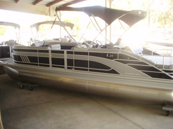 Bennington 25LSB Tri-Toon 2021 Bennington 25LSB for sale in INVERNESS, FL