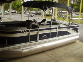2021 Bennington 21SSX Tri-toon for sale at APOPKA MARINE in INVERNESS, FL