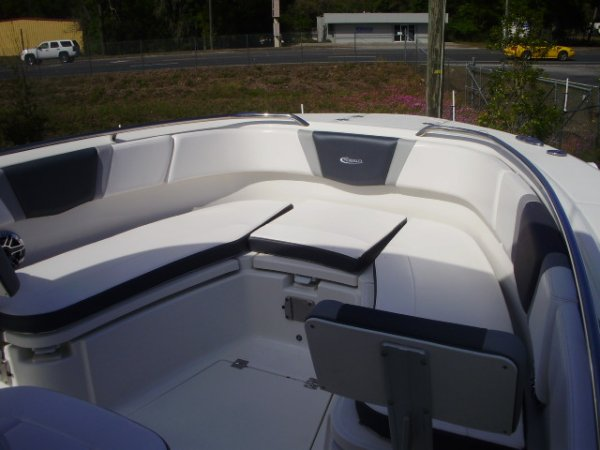 Bow Seating 2021 Robalo R272 for sale in INVERNESS, FL