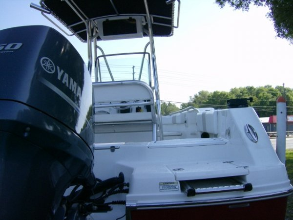 Used 2014 Robalo Power Boat for sale 2014 Robalo R200 for sale in INVERNESS, FL