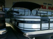 Pre-Owned 2022  powered Power Boat for sale 2022 Bennington 22LSB for sale in INVERNESS, FL