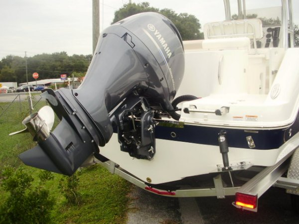 Yamaha 200 And Trim tabs 2022 Robalo R222 for sale in INVERNESS, FL
